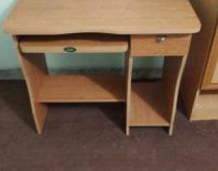 میز کامپیوتر سالم تمیز در حد نو
