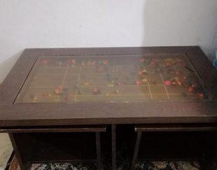 میز وسط و سه گل میز