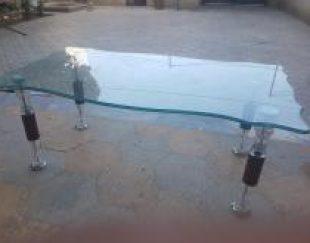 میز وسط و دو تا گل میز