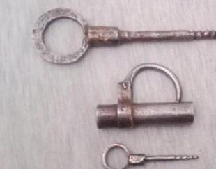 قفل و کلید قدیمی